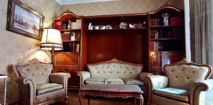 Conjunto de sofá 3 plazas + 2 butacones + mesa de marmol