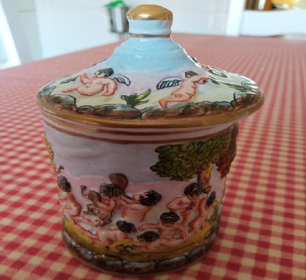 Joyero en porcelana italiana de capodimonte