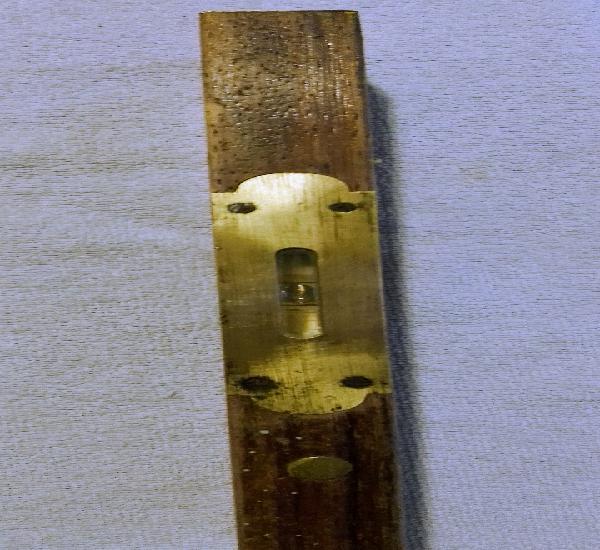 Nivel antiguo de madera