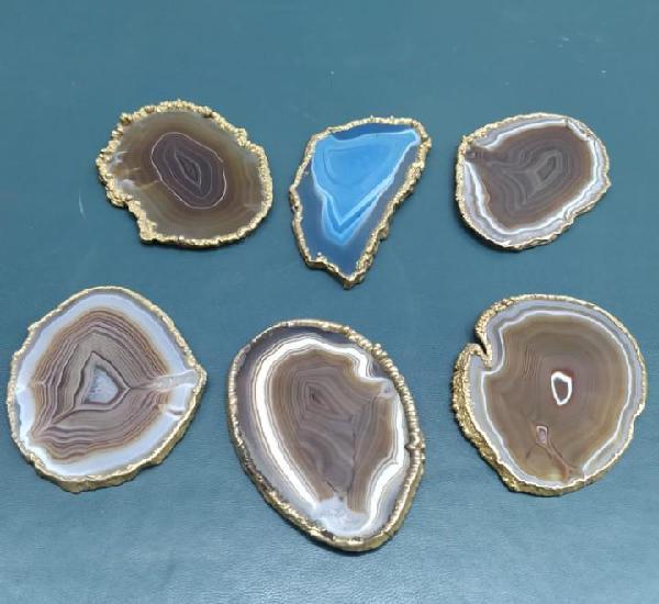 Piedras de agata resercadas en bronce