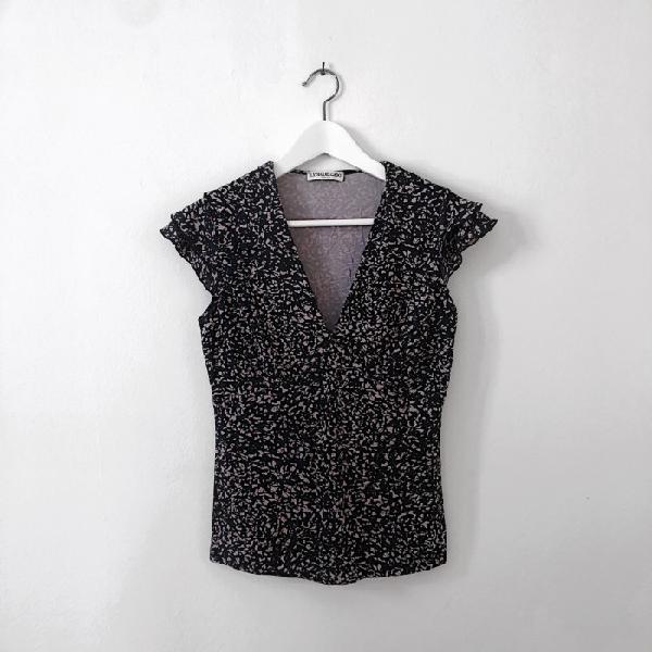 Camiseta escotada negro y rosa otras marcas camisetas
