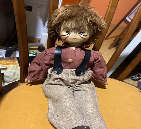 Muñeco aleman cuerpo de trapo cara y extremidades de