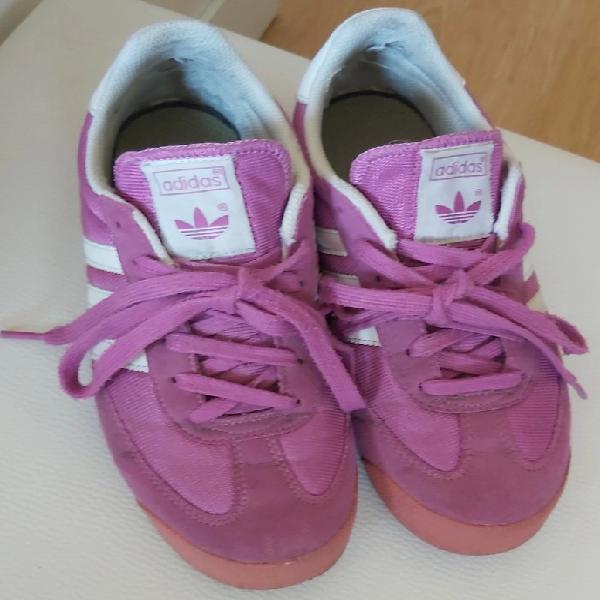 Snikers, zapatillas tenis adidas color fucsia. n° 38
