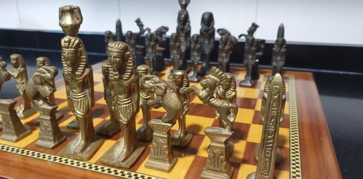 Ajedrez egipcio antiguo único
