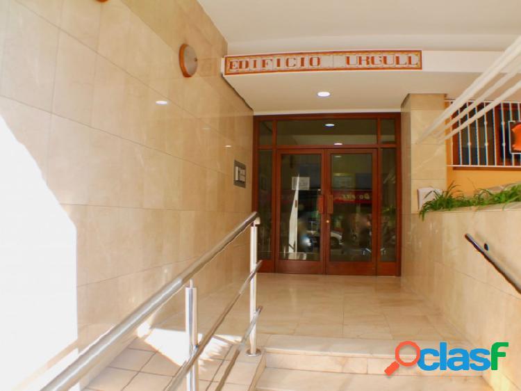 Gran Piso para reformar ubicado en le centro de Benidorm al lado de Cines Colci.