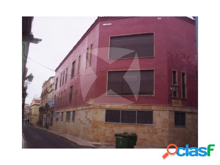 Apartamento amueblado con plaza de garaje. zona casco antiguo