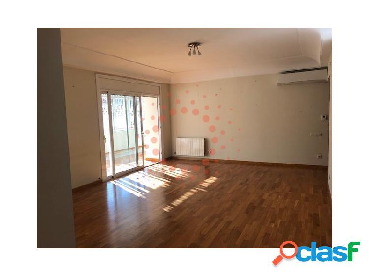 Estupendo piso reformado recentemente de 175 m2 con 4 habitaciones