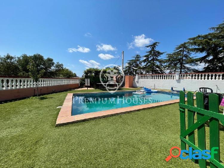 En venta casa a cuatro vientos con piscina y vistas a la montaña
