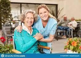 Cuidadora anciana