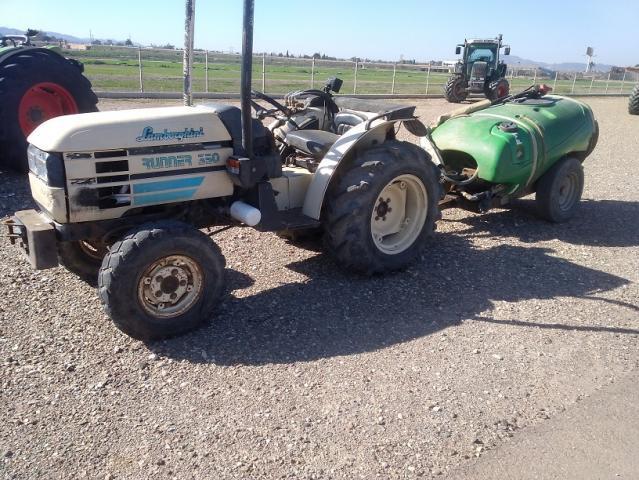 Tractor viñedo lamborghini runner 350