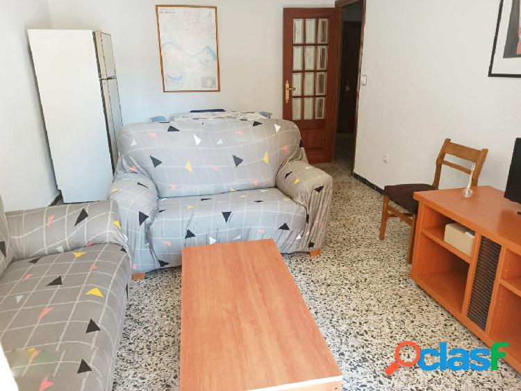 Urbis te ofrece un piso en alquiler en zona Garrido Sur, Salamanca. 1