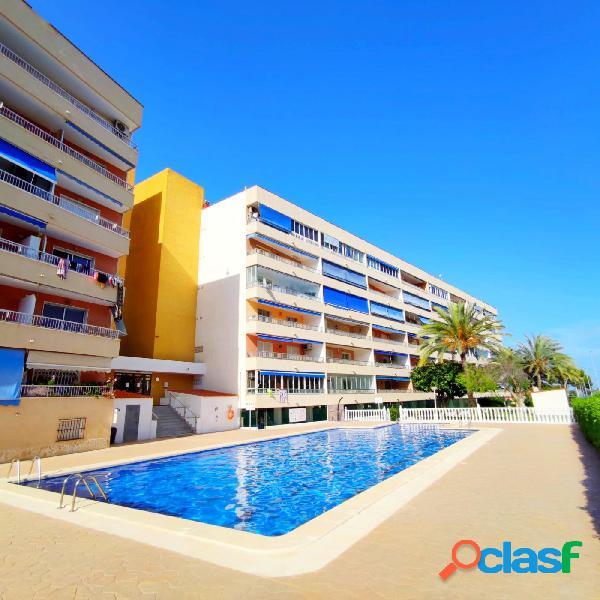 Apartamento en punta prima orihuela costa con piscina y gran terraza