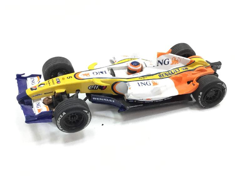 Coche slot scalextric compact renault r28 f1