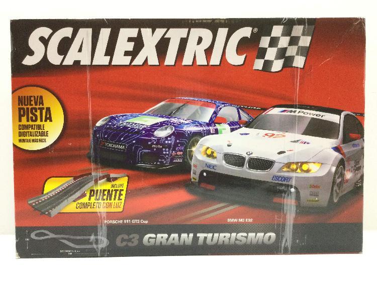 Kit pista y coches slot scalextric c3 gran turismo