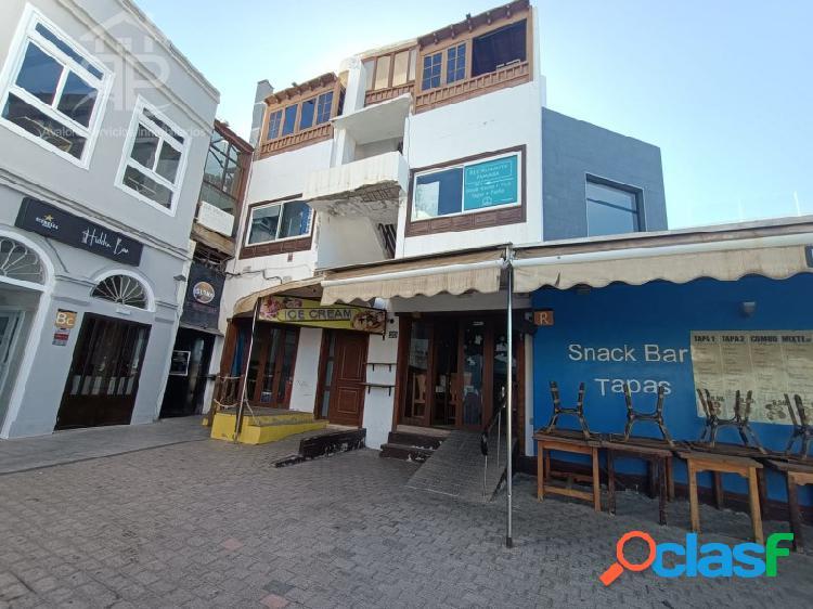 Restaurante y dos pisos la venta en el varadero, puerto del carmen