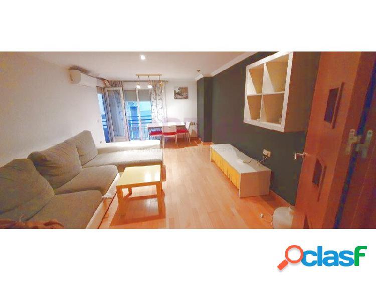 Elda: piso 2º de 105 m2, 3 dormitorios, 2 baños. totalmente reformado. 420 €