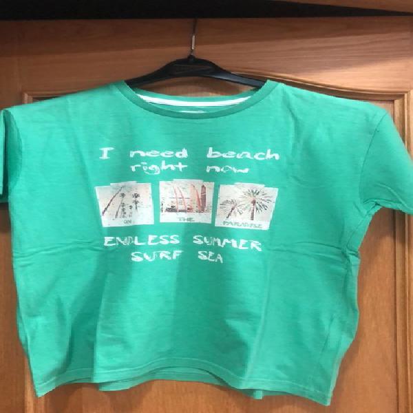 Camiseta manga corta niño con dibujos en la parte de