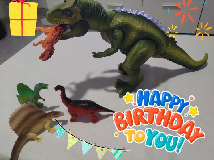 Dinosaurio teledirigido con mando y luces