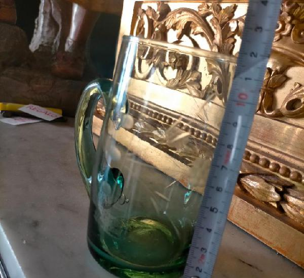 Vaso jarrita jarra verde tallado o grabado antigua ver