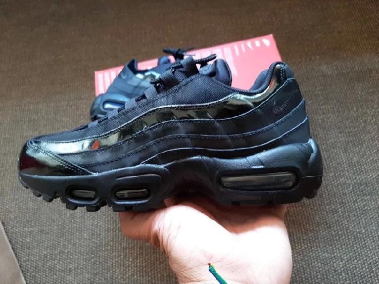 Nike air max 95 número 39 = 8 están nuevas