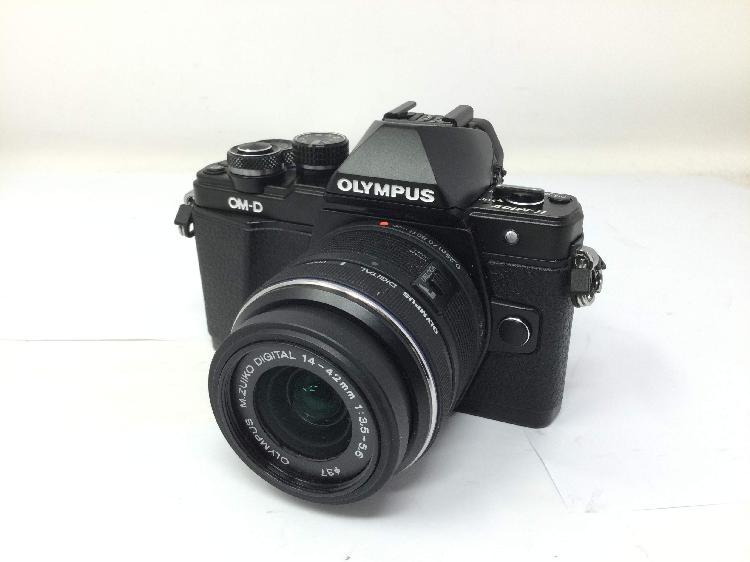 Camara digital evil olympus om-d e-m10 mark ii