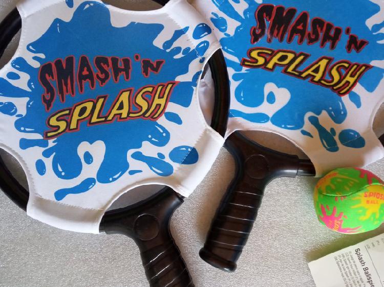 Divertido juego raquetas playa piscina