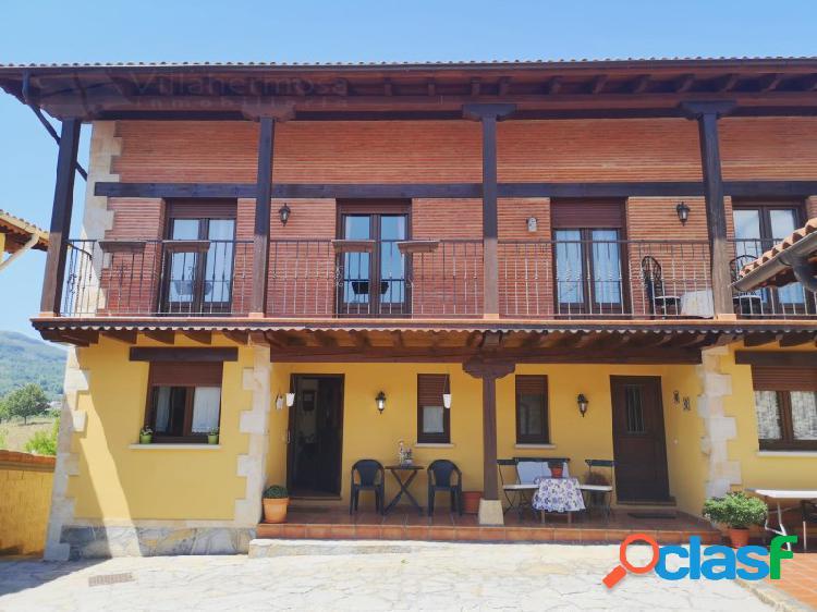 Tres casas en venta en Pedrosa de Valdeporres