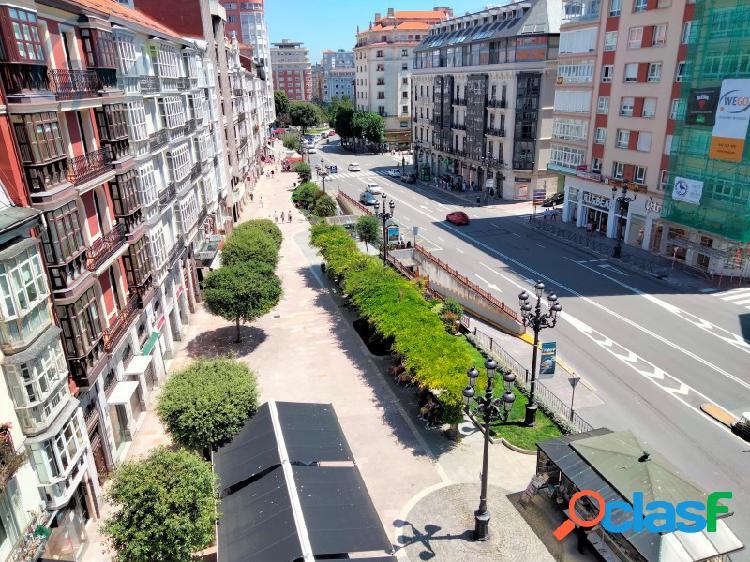 Estupenda vivienda reformada en venta a escasos metros del ayuntamiento de santander.