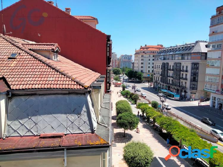 Estupenda vivienda reformada en venta a escasos metros del ayuntamiento de Santander. 1