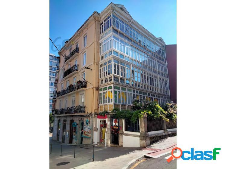 Estupenda vivienda reformada en venta a escasos metros del ayuntamiento de Santander. 3