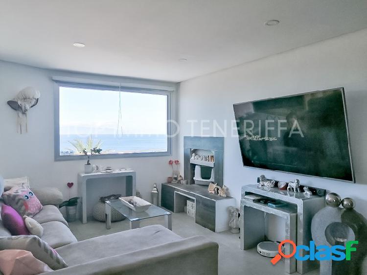 Chalet con piscina privada y magnificas vistas al mar en Palm Mar- a la venta 2