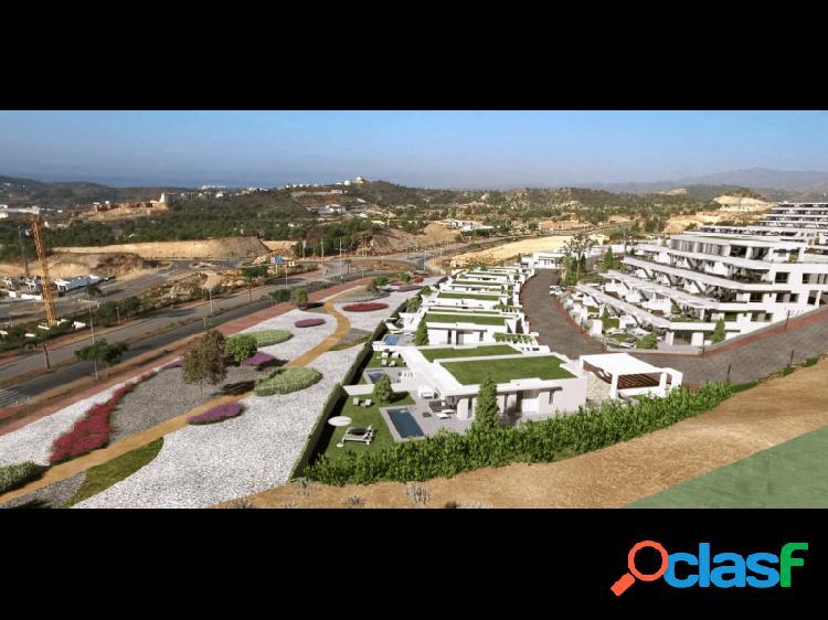 Viviendas unifamiliares de lujo con jardín y piscina privadas