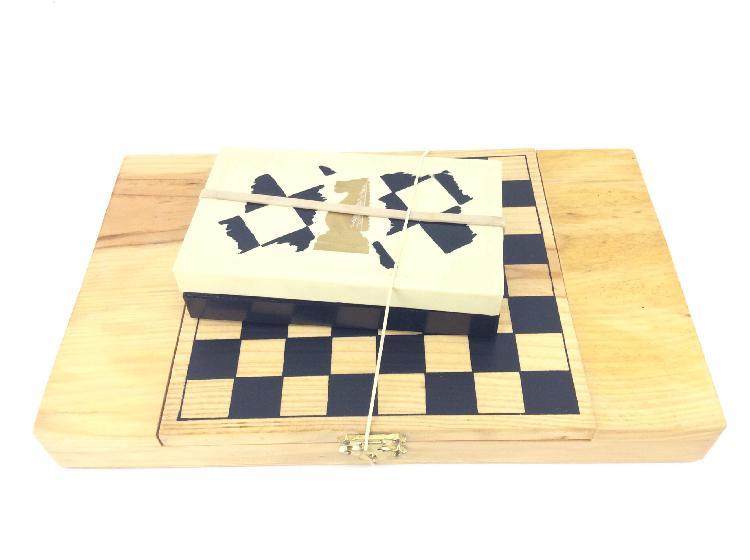Juegos de mesa ajedrez y dardos ajedrez y dardos