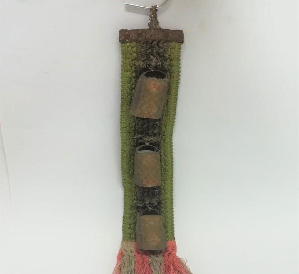 Original y antigua tira de tela con cencerros muy trabajado