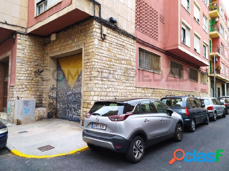 Local comercial 363 M2 frente MERCADONA - Metge Josep Darder 2