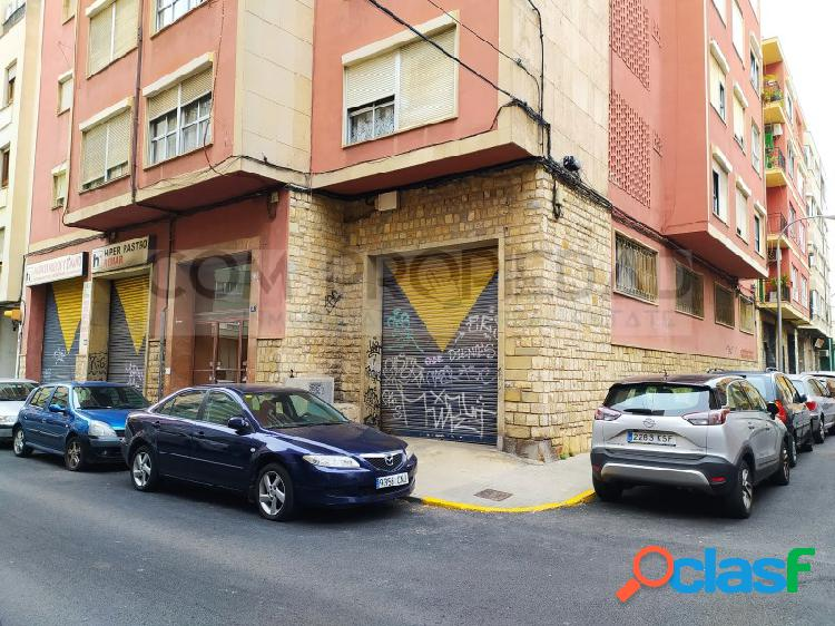 Local comercial 363 M2 frente MERCADONA - Metge Josep Darder 3