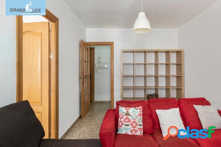 Estupendo piso reformado de 3 amplios dormitorios junto a San Juan de Dios 3