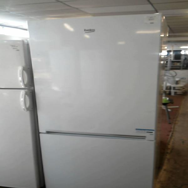 Compre la oportunidad de frigo congelateur beko