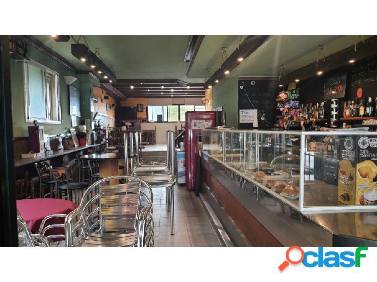 Traspaso bar restaurante c3 en palau-solità i plegamants con terraza