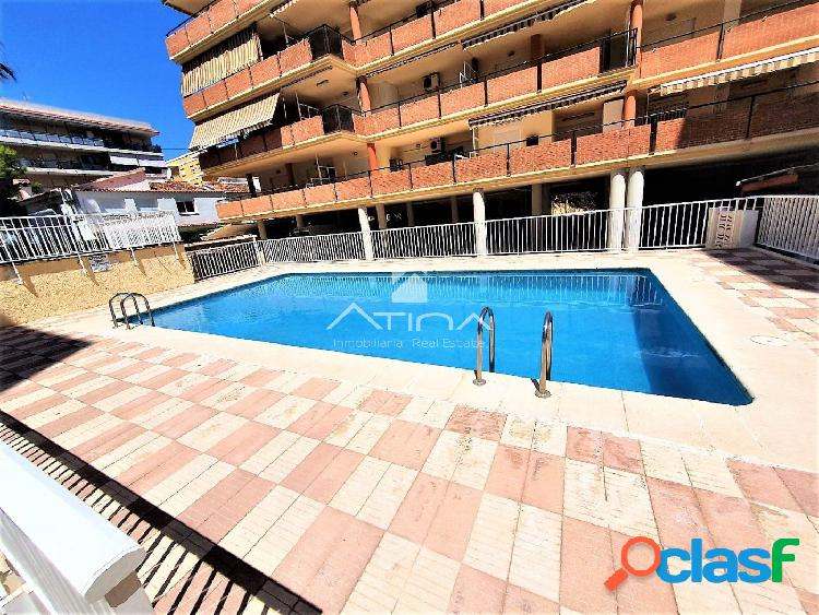 Apartamento con amplia terraza de 15 m2 y con vistas al mar situado en 2ª línea playa Daimús, 2