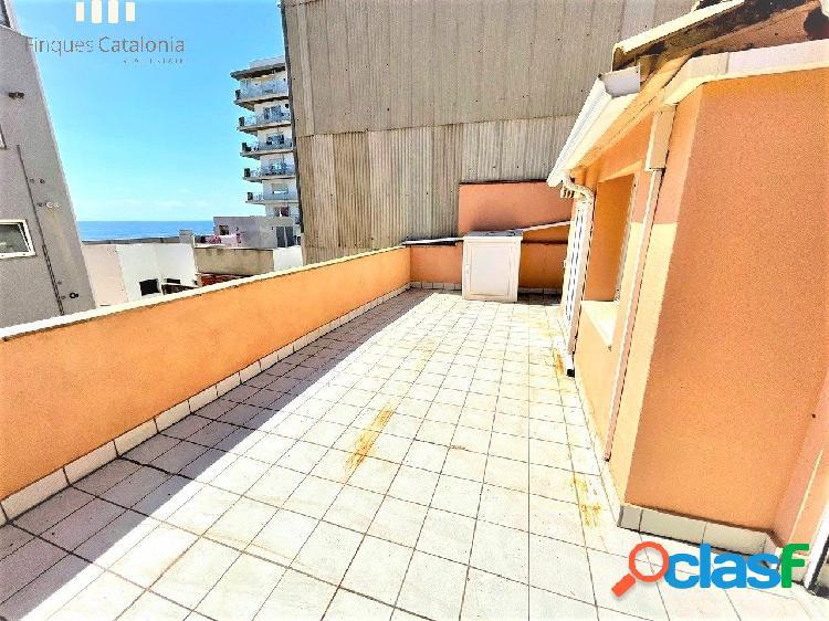 Ático dúplex 4 habitaciones con terraza y balcón en 2ª línea de sant antoni de calonge