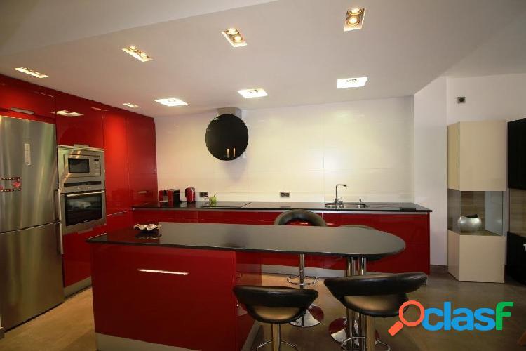 Casa moderna para alquilar en Campos 2