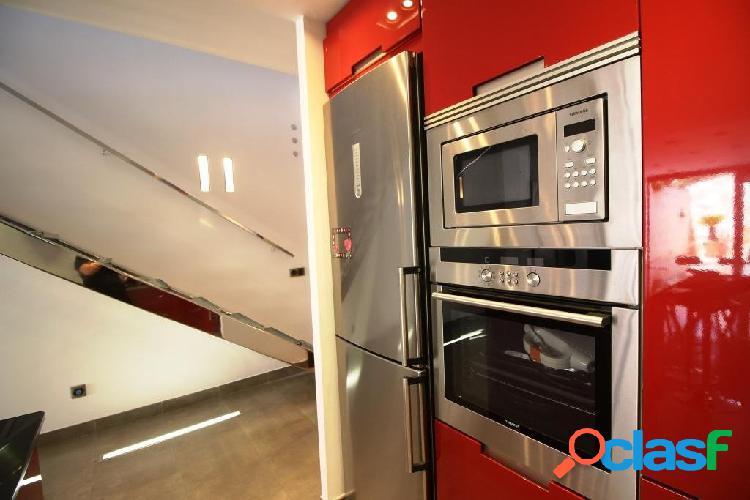 Casa moderna para alquilar en Campos 3