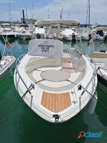 Experiencia única. Alquiler de barcos sin necesidad de tener titulación náutica