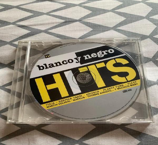Blanco y negro hits 2004