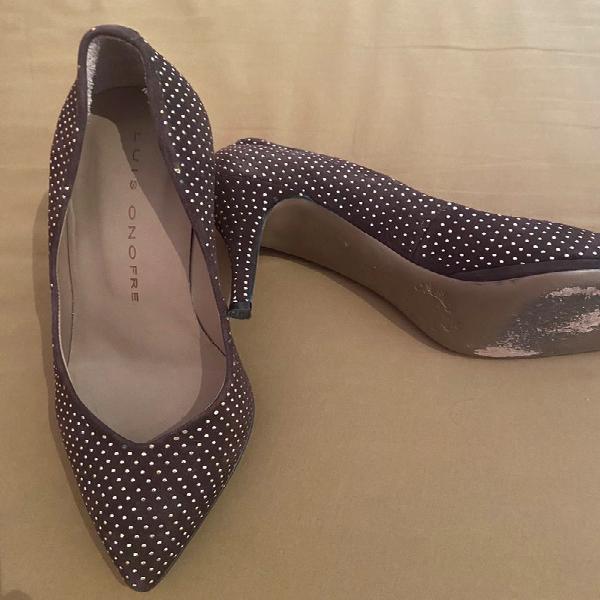 Preciosos zapatos tacón