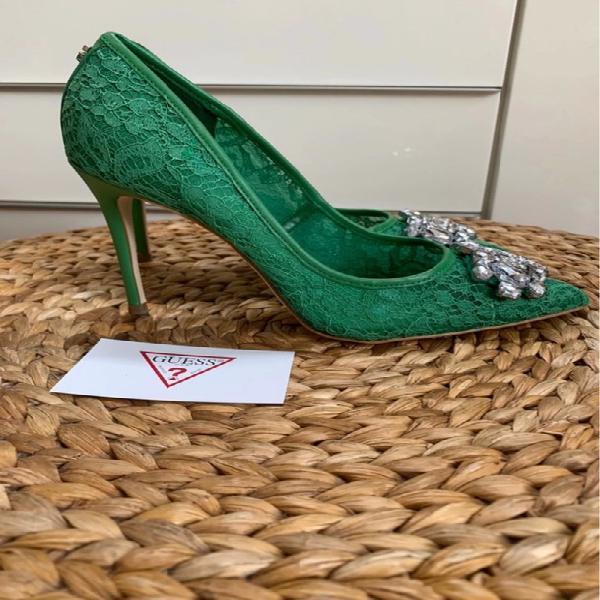 Zapatos verdes guess