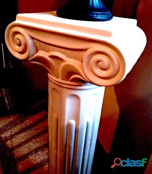 Columna pedestal estilo jonico