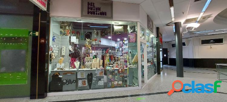 Local perfecto para tienda o despacho, clínica o almacén - lo que quieras!