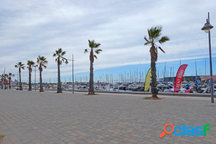 ¡alquiler de larga temporada con magnificas vistas al puerto deportivo!